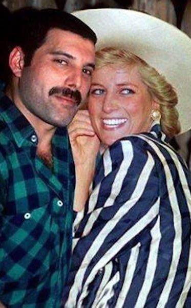 50 fotografías de la evolución de Freddie Mercury 36