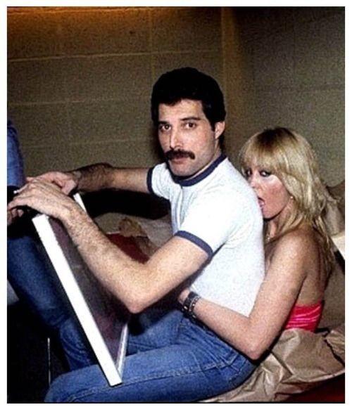 50 fotografías de la evolución de Freddie Mercury 41
