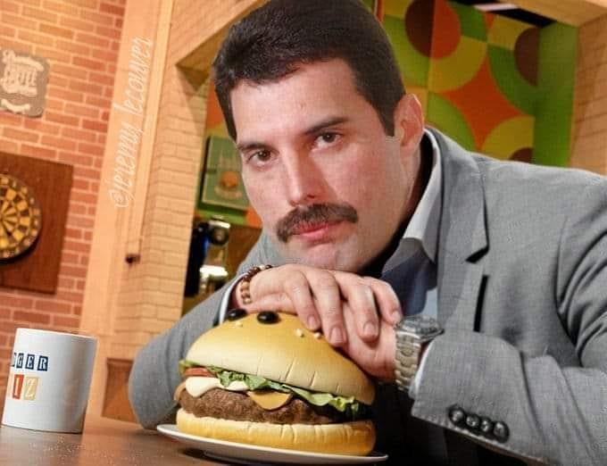 50 fotografías de la evolución de Freddie Mercury 45