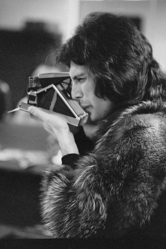 50 fotografías de la evolución de Freddie Mercury 5
