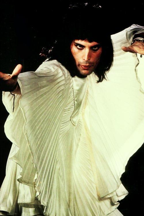 50 fotografías de la evolución de Freddie Mercury 15