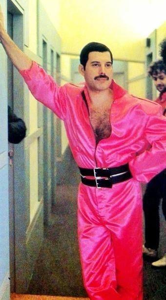 50 fotografías de la evolución de Freddie Mercury 24