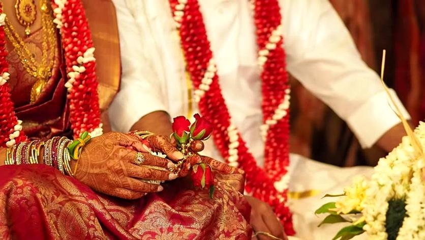 El sagrado significado detrás de los tatuajes en una boda hindú 1