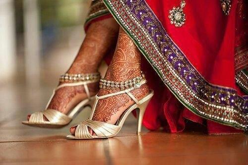 El sagrado significado detrás de los tatuajes en una boda hindú 3