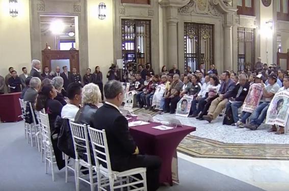 amlo firma decreto presidencial verdad caso ayotzinapa 1