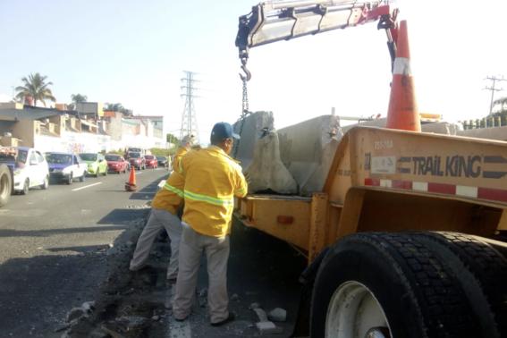 autoridades quitan barreras de contencion paso expres 2