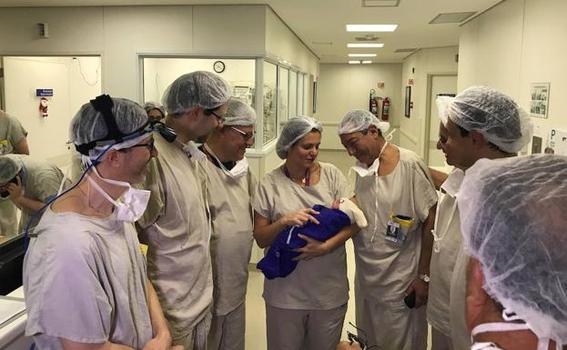 nace el primer bebe concebido en un utero trasplantado de una fallecida 2