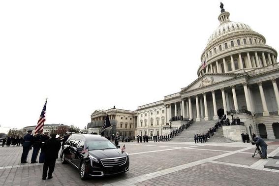despiden con honores expresidente george h w bush 1