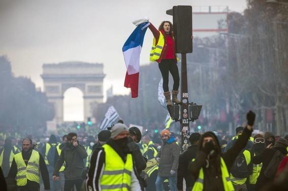 que son los chalecos amarillos en francia 4