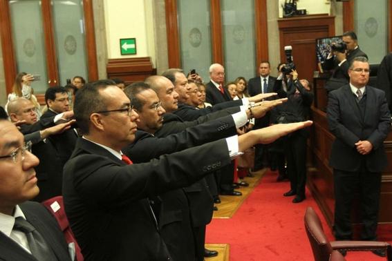 magistrados ponen a compadres familiares puestos clave 2