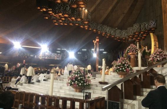 mexicanos cantan mananitas a virgen en la basilica 1