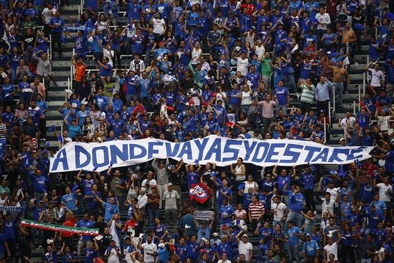 aficionados de cruz azul siguen sin creer la maldicion del equipo 2