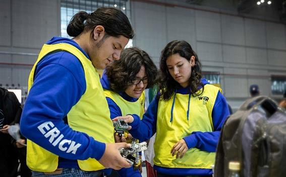 preparatorianos mexicanos triunfan en mundial de robotica en china 2