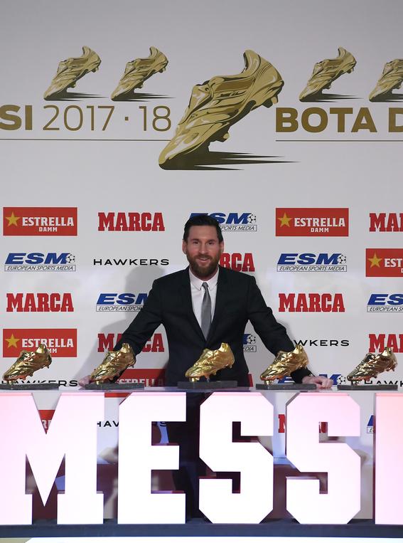 lionel messi recibe su quinta bota de oro 1