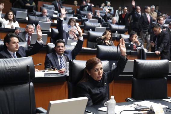servidores publicos temen hundirse en austeridad de amlo 2