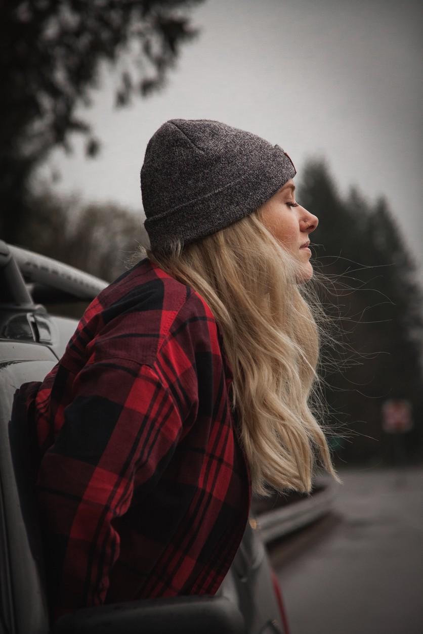 Errores que cometes al cuidar tu pelo en días fríos y lluviosos 1