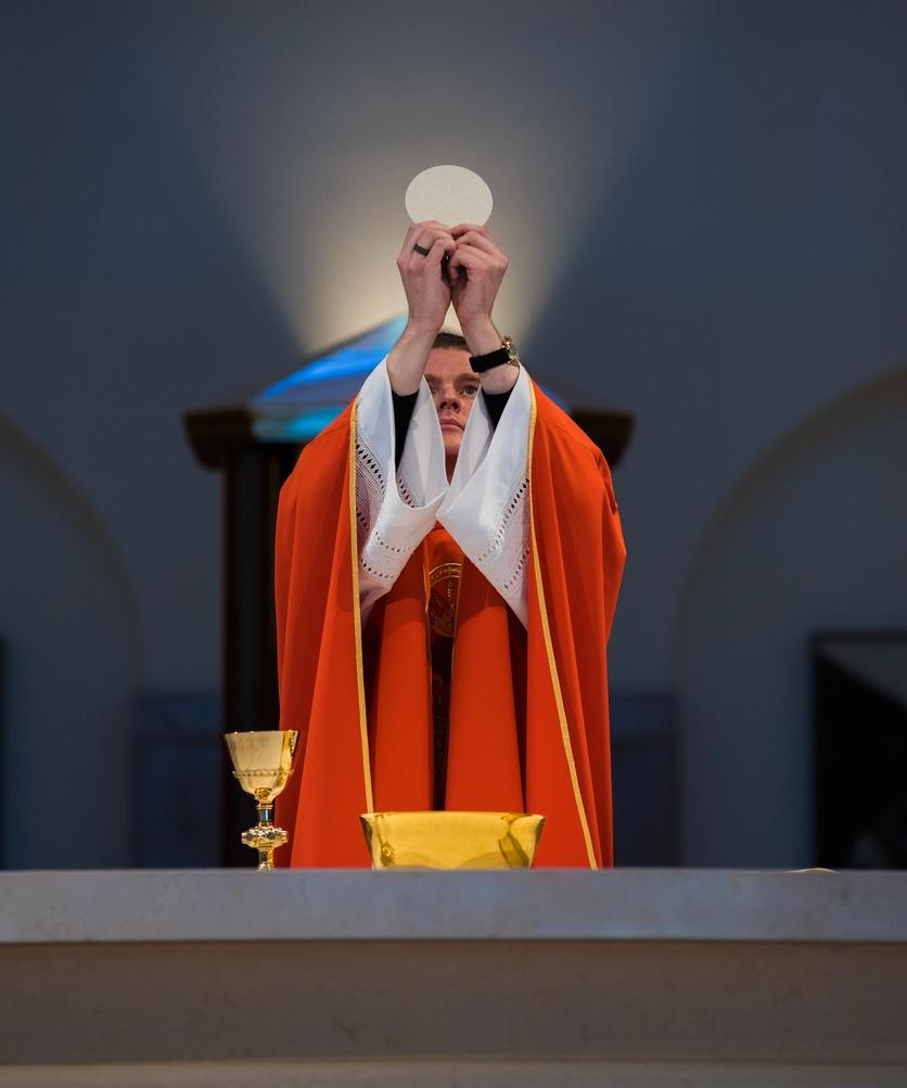 Esto es lo que debe estudiar un hombre que quiere ser sacerdote 1