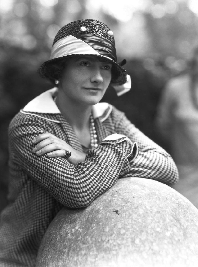 Fotografías de Coco Chanel que demuestran su estilo durante toda su vida 12
