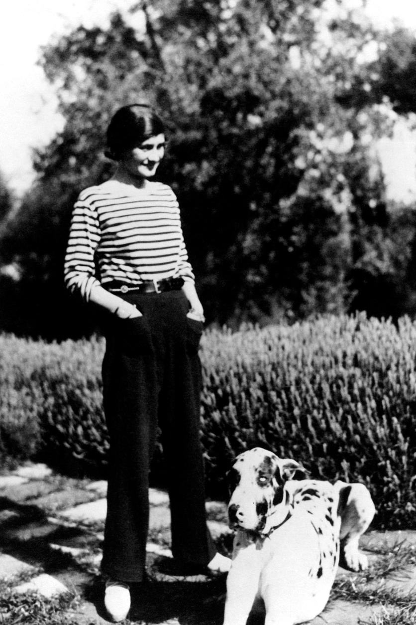 Fotografías de Coco Chanel que demuestran su estilo durante toda su vida 13