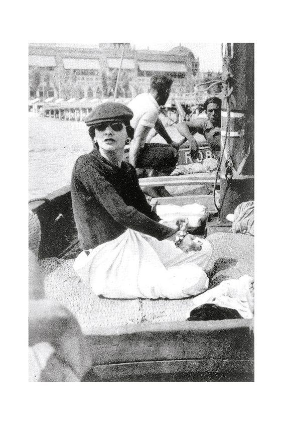 Fotografías de Coco Chanel que demuestran su estilo durante toda su vida 16