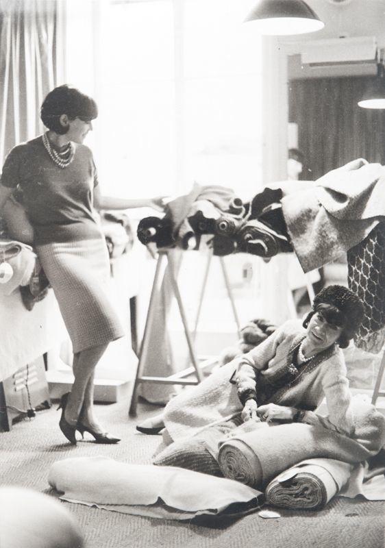 Fotografías de Coco Chanel que demuestran su estilo durante toda su vida 23