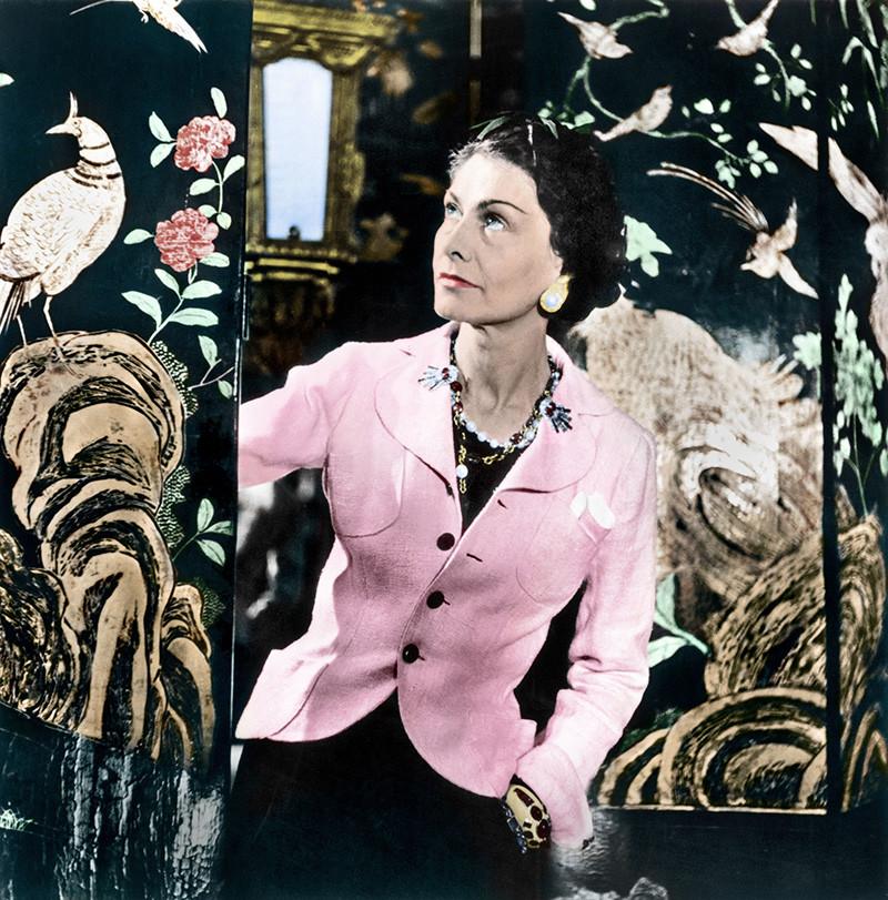 Fotografías de Coco Chanel que demuestran su estilo durante toda su vida 25