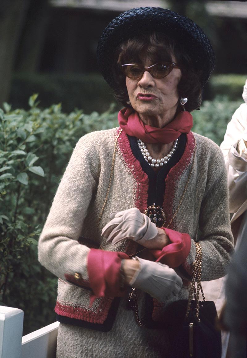 Fotografías de Coco Chanel que demuestran su estilo durante toda su vida 26