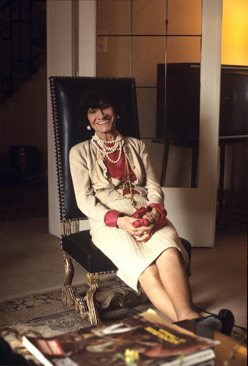 Fotografías de Coco Chanel que demuestran su estilo durante toda su vida 29