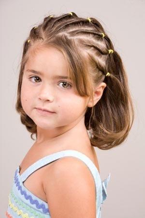 5 peinados fáciles con ligas perfectos para niñas  1