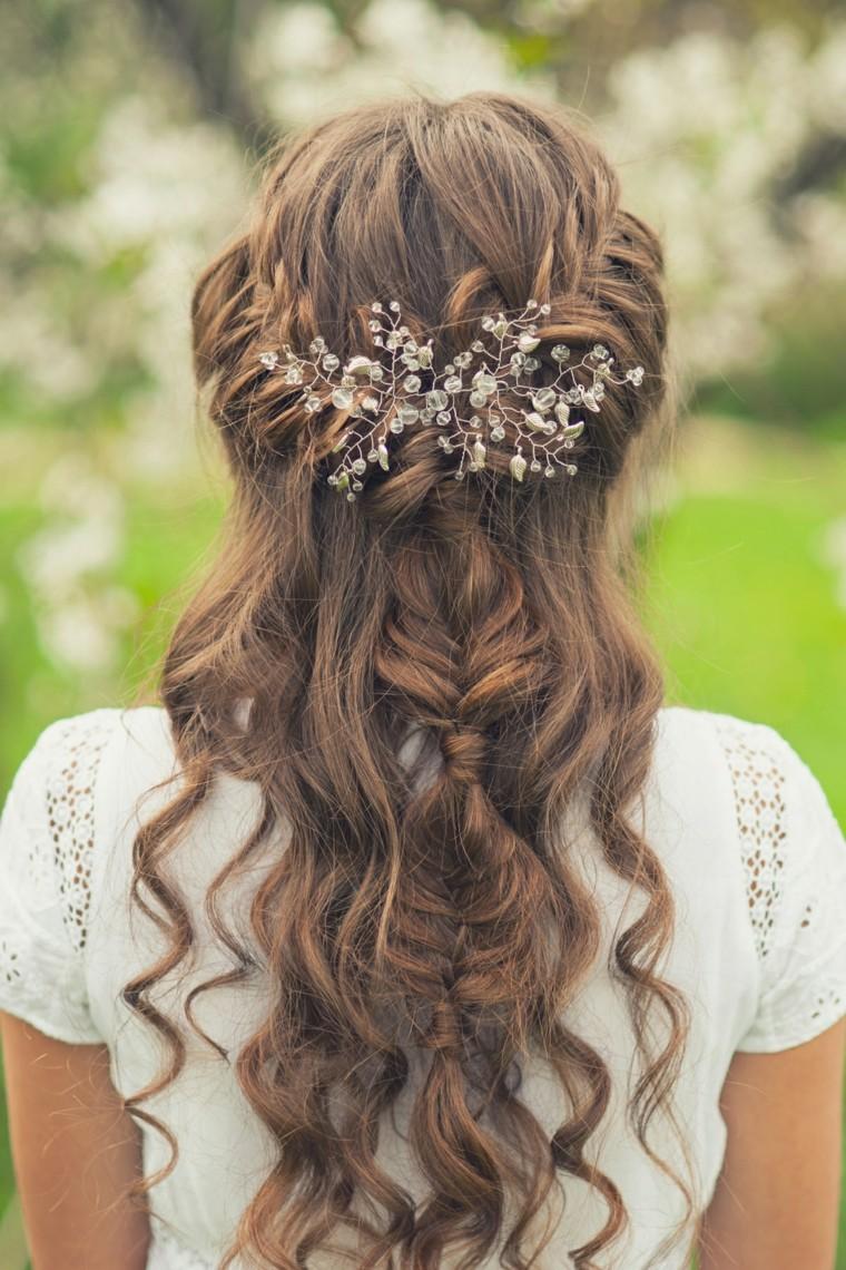 Peinados para una boda de día en jardín  4
