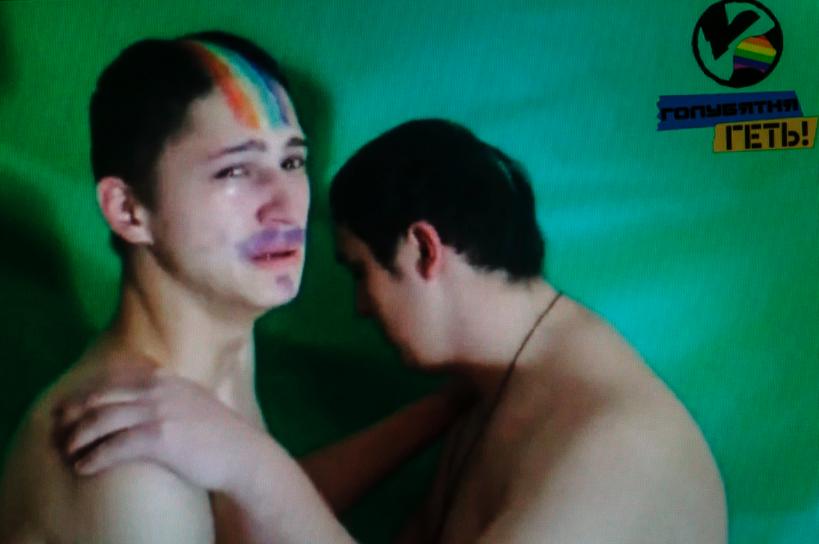 16 fotografías de Mads Nissen del amor y la homofobia en Rusia 0
