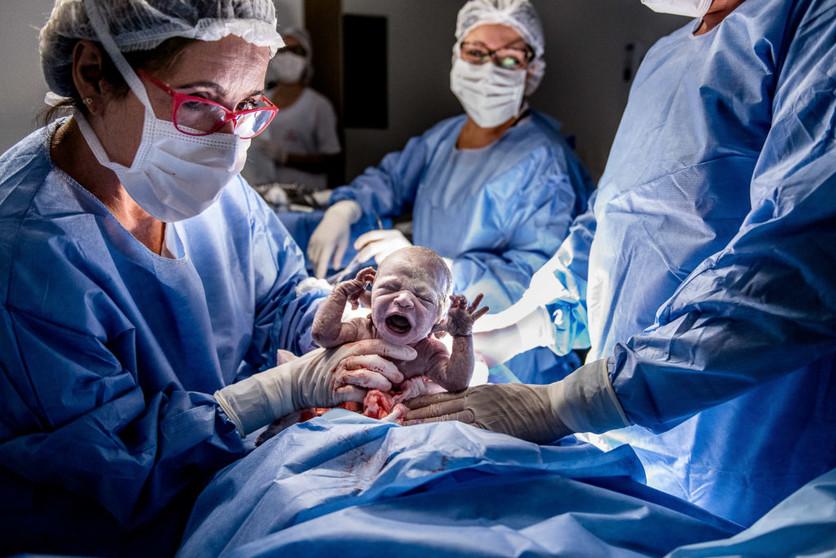 16 poderosas fotografías de todo lo que pasa en una sala de partos 7