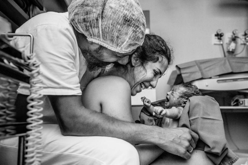 16 poderosas fotografías de todo lo que pasa en una sala de partos 12