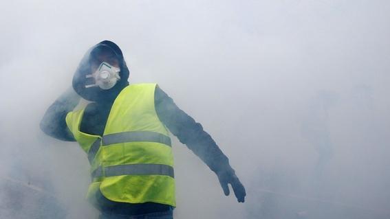 25 mil chalecos amarillos regresan a las calles en francia 1