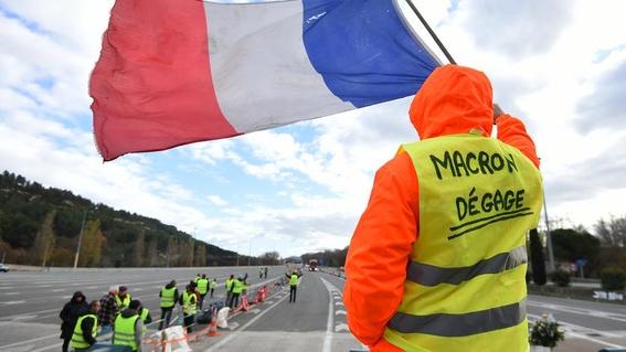 25 mil chalecos amarillos regresan a las calles en francia 2