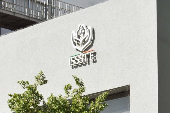 director issste anuncia que despediran a 3 mil trabajadores 1