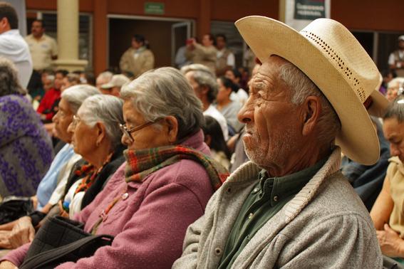 pensiones absorben 50 del presupuesto imss issste 1