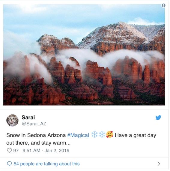 nieve en el desierto de arizona y usuarios toman fotografias 4