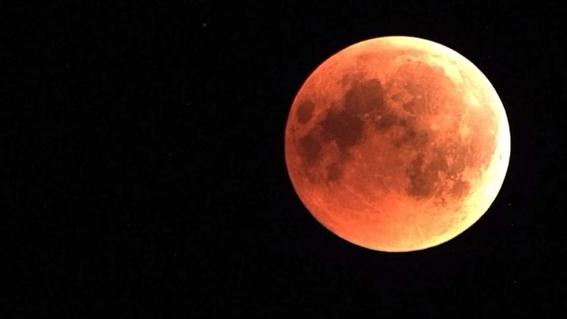 Se aproxima la luna de sangre a México