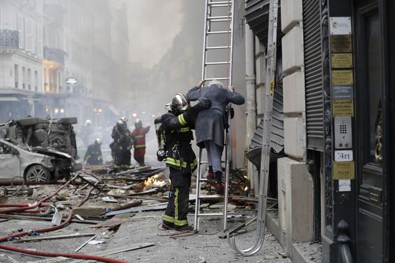 explosion en edificio en paris 1