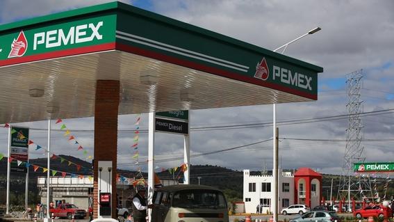 pese a crisis de pemex sindicato petrolero se hace mas rico 3