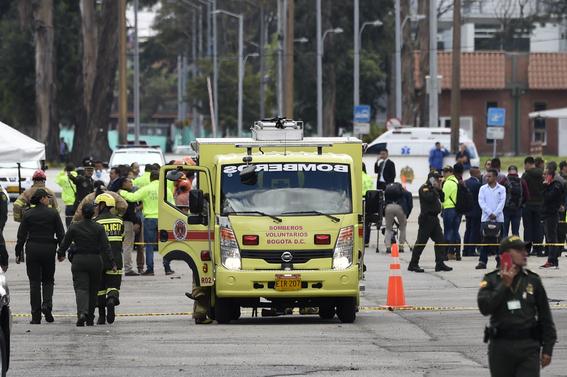 ocho muertos deja coche bomba en cuartel policial colombia 2