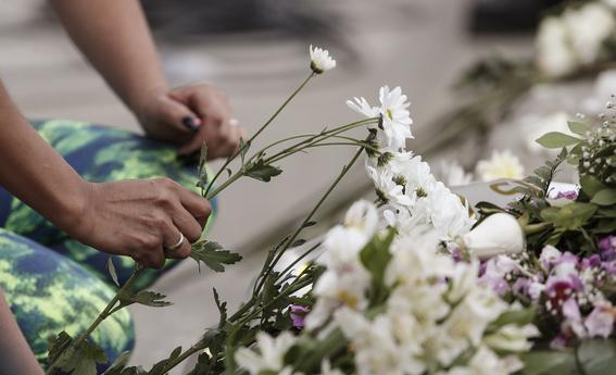 colombia da ultimo adios a victimas del atentado bogota 2