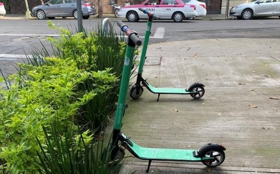 por falta de planeacion las bicicletas se convirtieron en enemigo del peaton 1