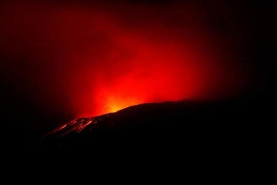 se reporta fuerte explosion del popocatepetl 1