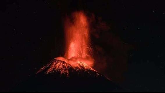 se reporta fuerte explosion del popocatepetl 2