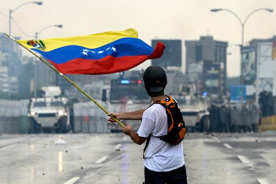 van 4 muertos antes de la marcha contra la dictadura en venezuela 3