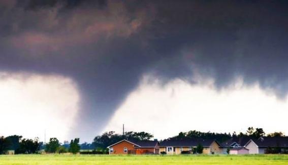como se forma un tornado 2