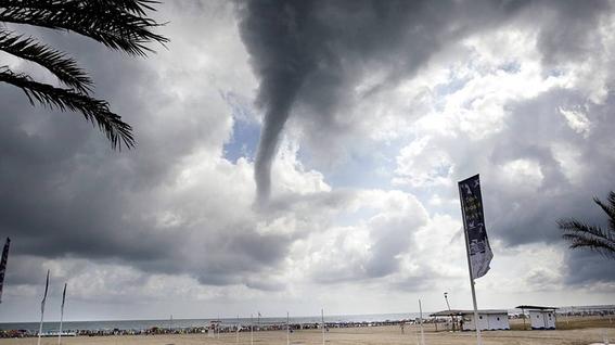 como se forma un tornado 1