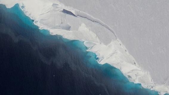 encuentran cavidad dentro del glaciar thwaites que se esta derritiendo 1